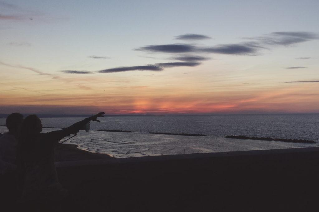 spettacolo di colori al tramonto a termoli