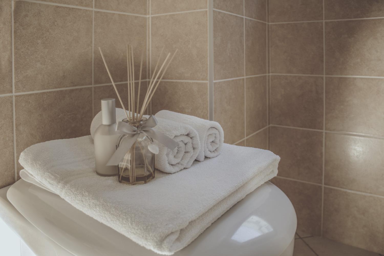 Il faro dimora monsignore b b - Asciugamani set bagno ...