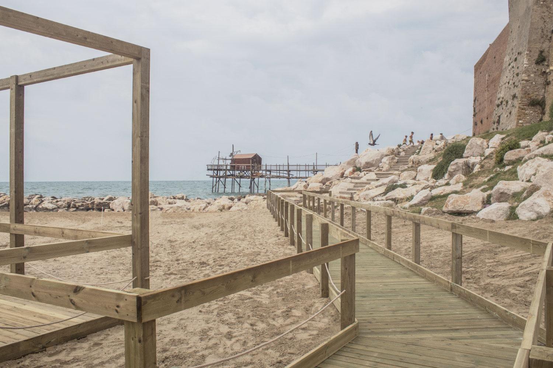 Matrimonio In Spiaggia Al Tramonto : Termoli a settembre il primo matrimonio sulla spiaggia in
