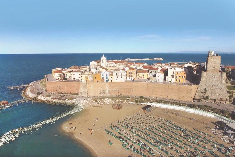 Matrimonio Spiaggia Termoli : Estate in molise il mare di termoli e le sue spiagge
