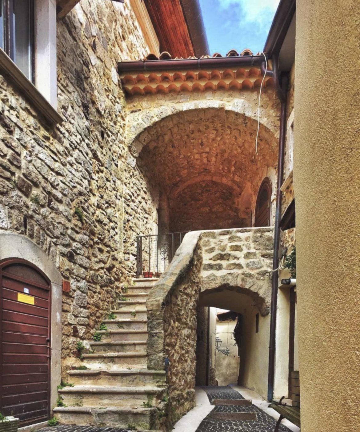 """Scapoli in Molise: tra i borghi """"Bandiera Arancione"""" del Touring Club"""