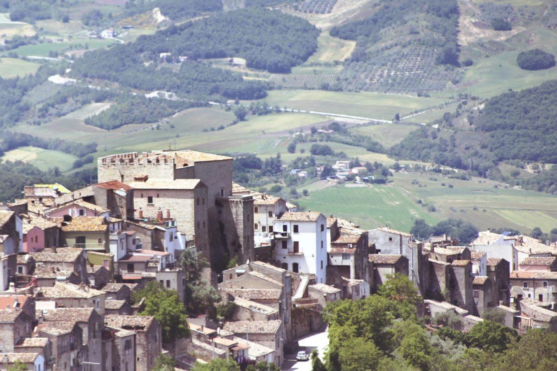 Itinerari per una primavera in Molise: il Castello di Gambatesa
